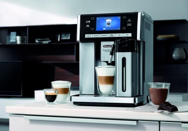 Kávovar v kuchyni