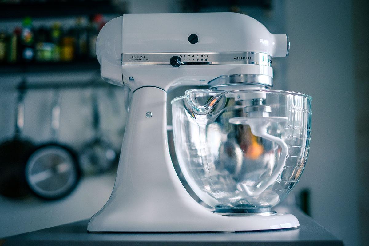 Kuchyňský robot záhlaví