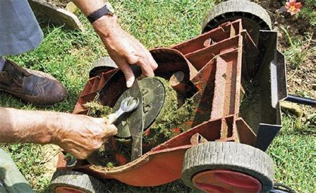 Údržba sekačky trávy