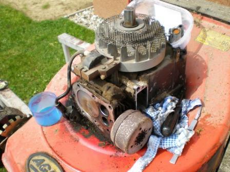 Motor sekačky - oprava