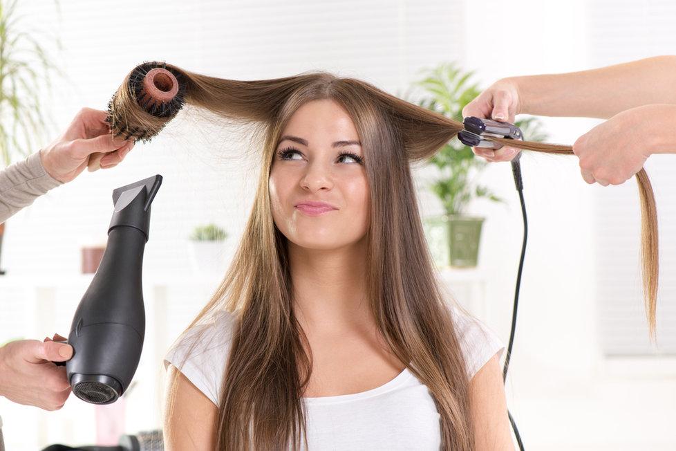 Žehlení vlasů doma