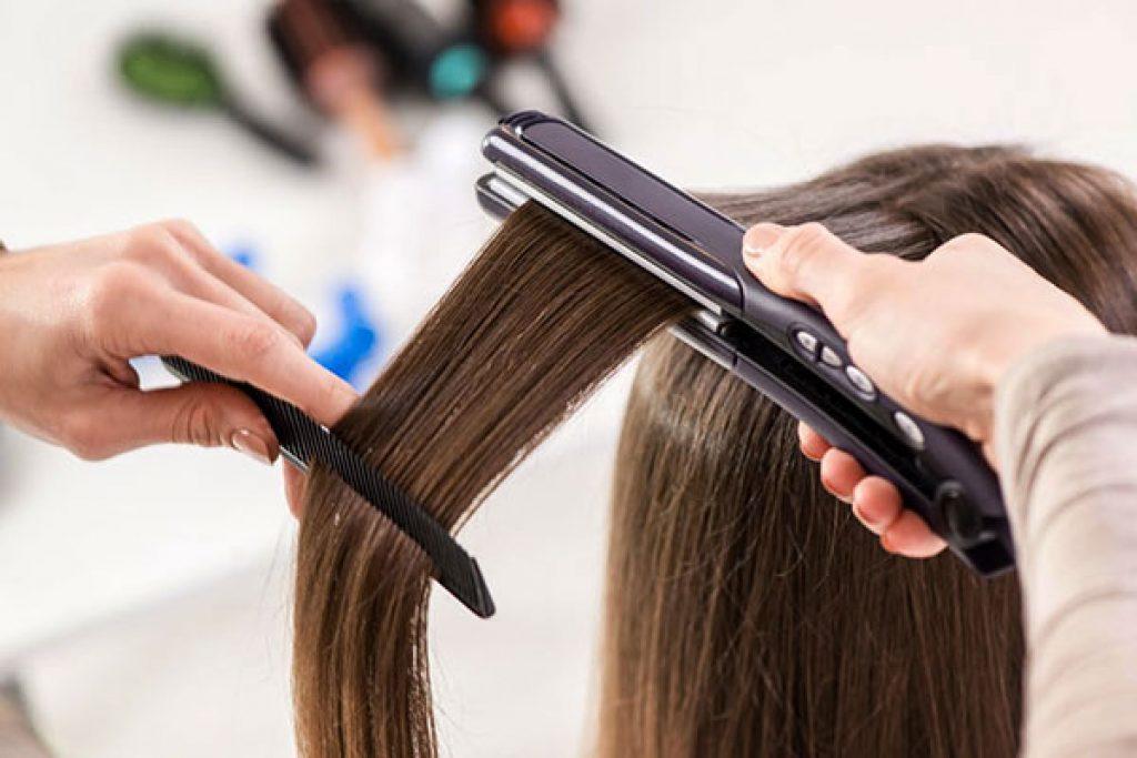 Žehlička vlasů do záhlaví
