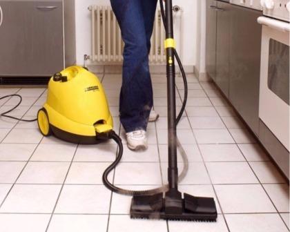 Práce s parním čističem