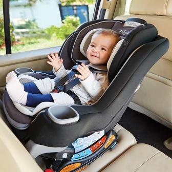 Autosedačka s dítětem